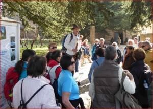 Pilgerwanderer bei der Begrüßung an der Basilika Johannisberg